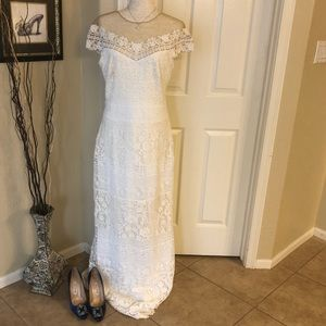 Off The Shoulder Illusion Lace Ivory Wedding Gown